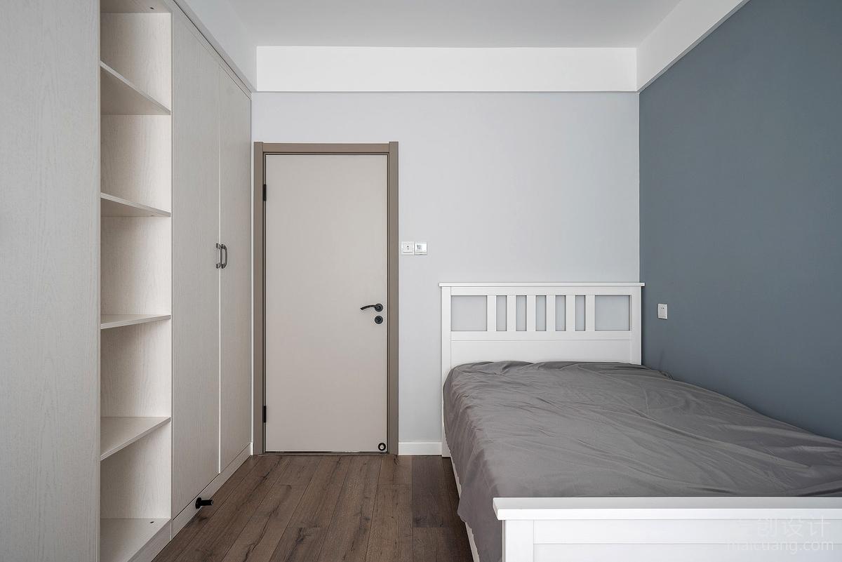 次卧柜子2